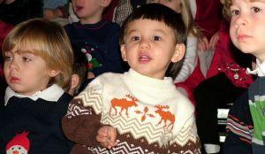 kids-singing-christmas-songs-498385-m
