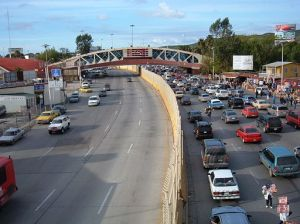 Tijuana-San_Ysidro_border_crossing