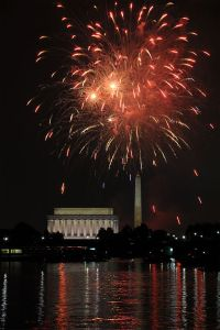 Fourth_of_July_Fireworks_at_Washington_DC_-_1