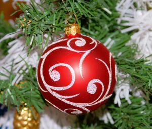 christmas-tree-ornament-911705-m
