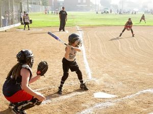 Young_Girls_Softball_Game