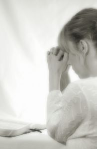 woman-praying-840879-m