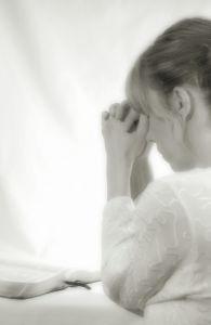 woman-praying-840879-m